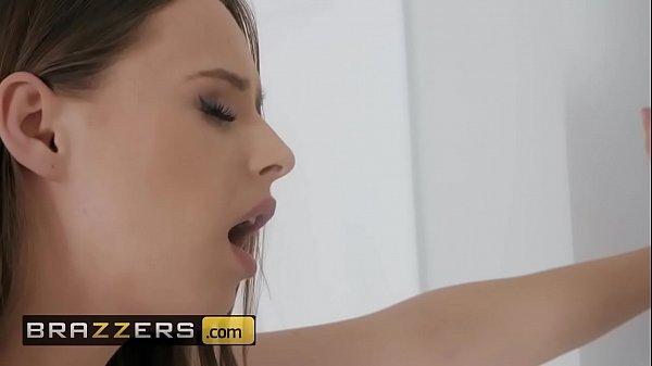 Novinha gemendo na hora de fazer sexo