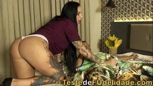Image Video x Elisa Sanches tocando punheta para o dotado
