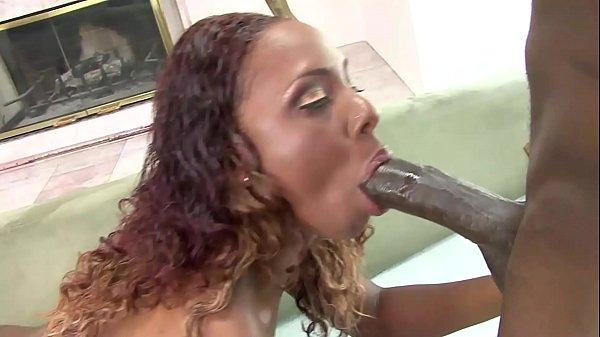 Sexo vídeos negra devorando a rola do negão roludo
