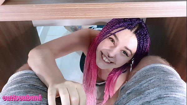 Xvideo s putinha mamando na pica do primo de baixo da mesa