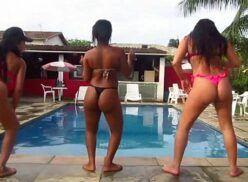 Novinhas safadas e gostosas dançando na beira da piscina