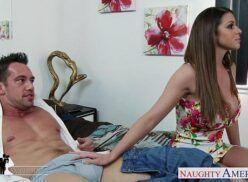 Nxnn porno novinha safada pegando gostoso na pica de seu primo