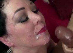 Xnxx tuber com jovem safado faz sexo com coroa gordinha gostosa que adora um oral