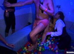 Festa sexo com várias atrizes do porno americano